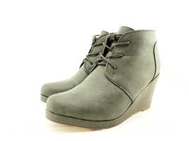Journee Collection Women's Gentry Bootie, Grey Suede, Size 9 B(M) US - $44.45