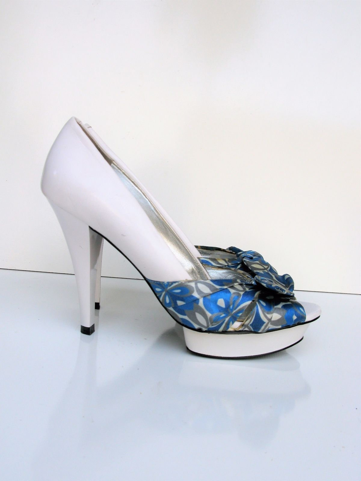Peep Toe Pumps Heels BCBG Paris Petra Platform Peep Toe Shoes 6.5 $140  MSRP