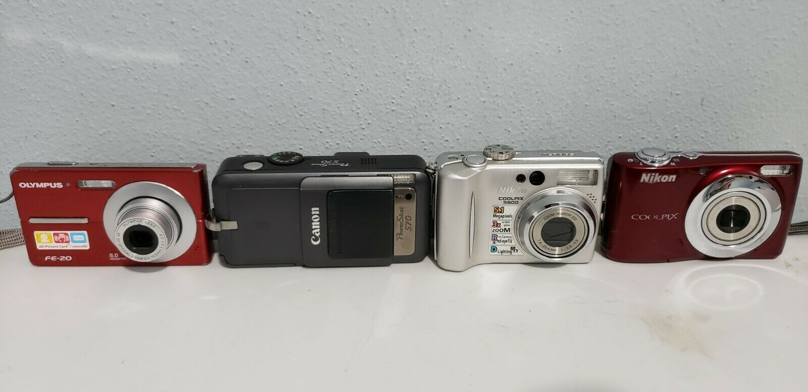 [Lot of 16] Point-and-Shoot Cameras (Sony/Canon/Nikon/Etc) For Parts/Repair