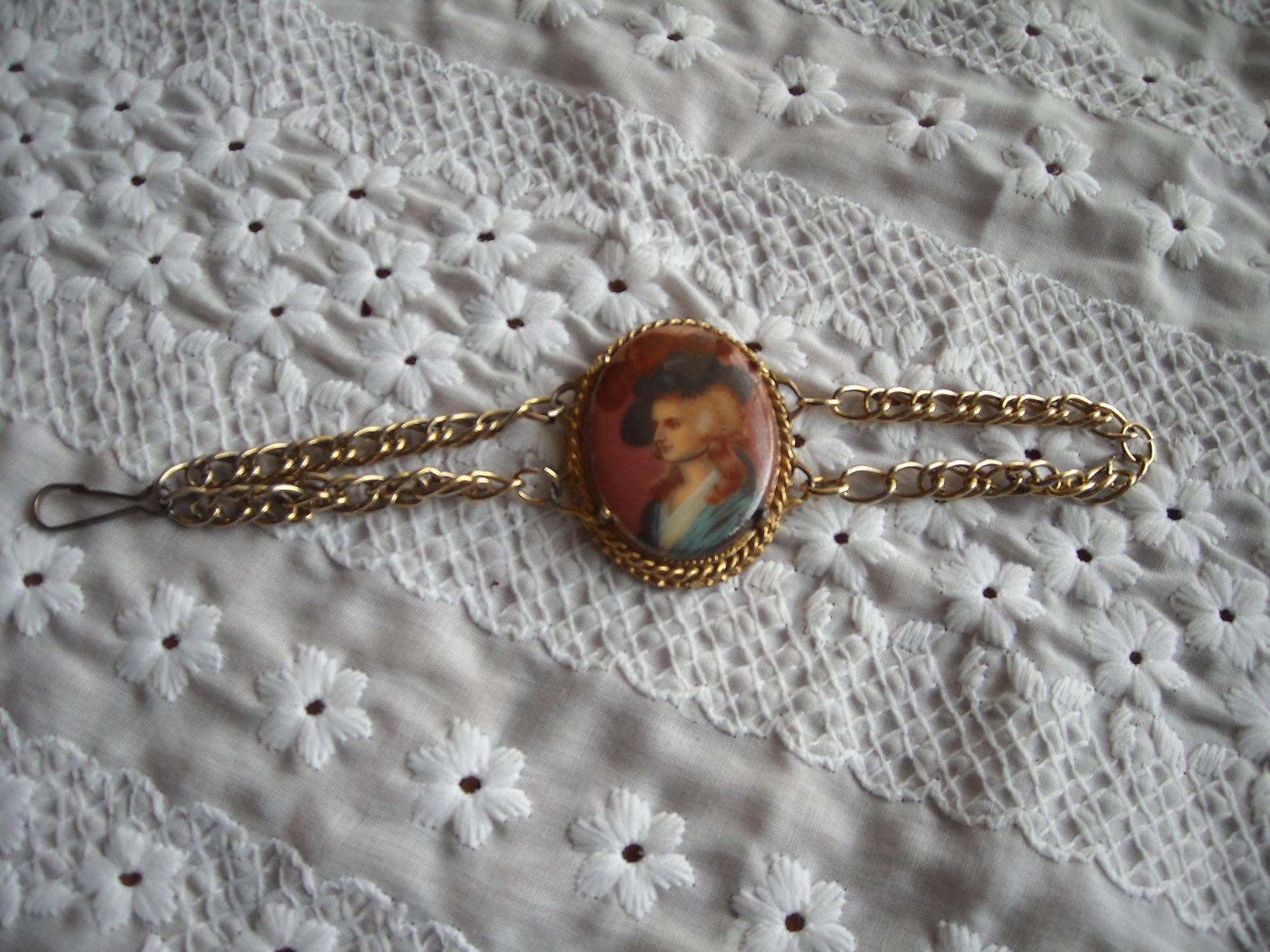 Primary image for Vintage Lady Bust Cameo Picture Double Chain Bracelet