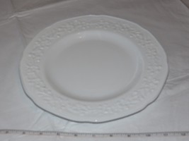 "No Makers Mark White Dinner Plate Floral Embossed Milk Glass 9 3/4"" ! - $34.64"
