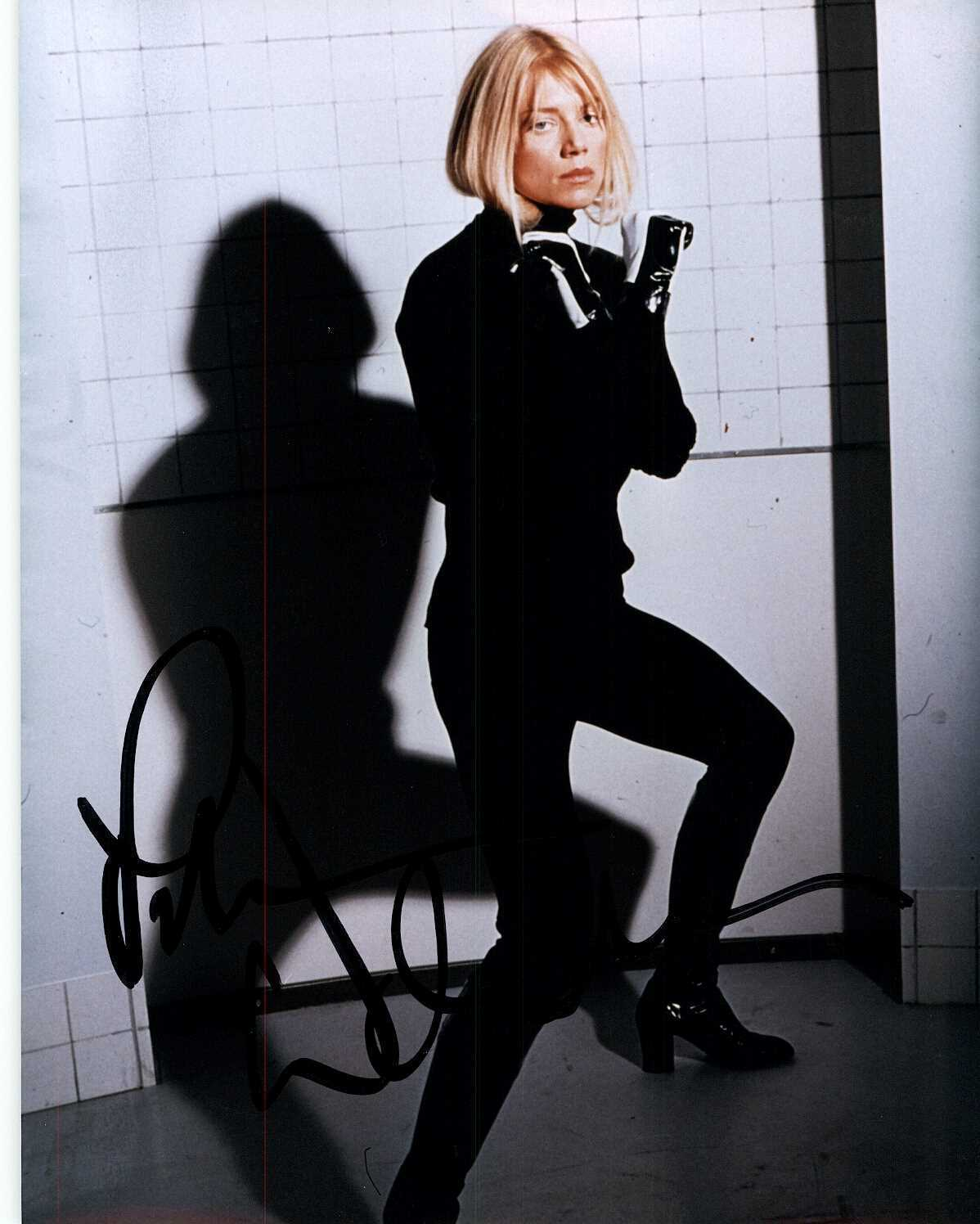 Primary image for Peta Wilson Signed Autographed Glossy 8x10 Photo