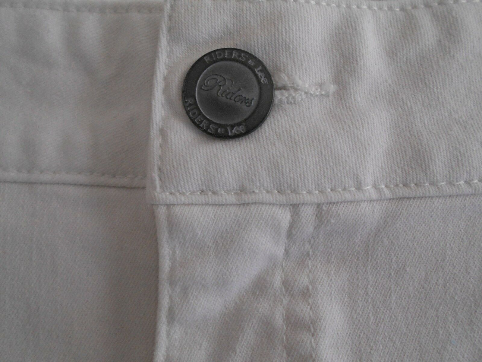 """Riders by Lee Women's Stretch Jean Bermuda SHORTS 14 WAIST 37"""" WHITE SEQUIN   image 3"""