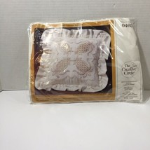 """Colonial Welcome Embroidery Kit Creative Circle #0465 14"""" sq Pillow Pine... - $9.74"""