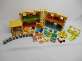 Old Vtg FISHER PRICE PLAY FAMILY HOUSE #952 ORIGINAL 10 WOOD LITTLE PEOPLE - $98.99