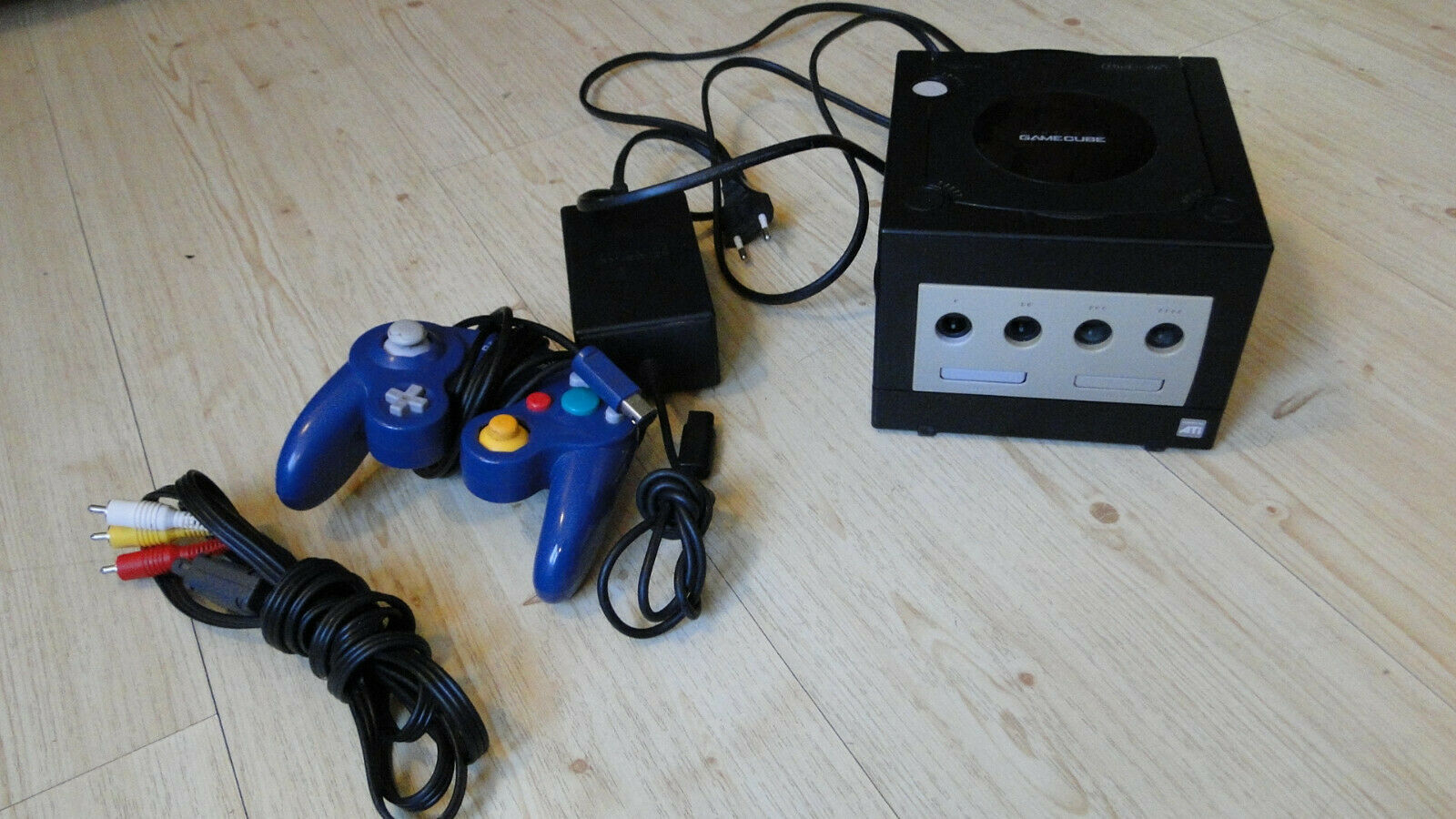 Nintendo GameCube Black Console Complete With Acessories & 1 Game Made In Japan