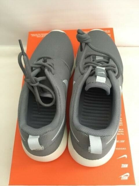 WMNS Nike Roshe One Cool Grey Sneaker Style #844994 003 SZ 7.5 (NO TOP LID)