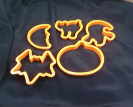 Plastic Halloween cookie cutters - $11.17