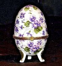 Ceramic Egg Shell with Gold Trim AA18 - 1064 Vintage Purple and White image 4