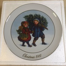 Vintage Avon Collectors Christmas Memories Series Plate 1981 New In Box - $7.91