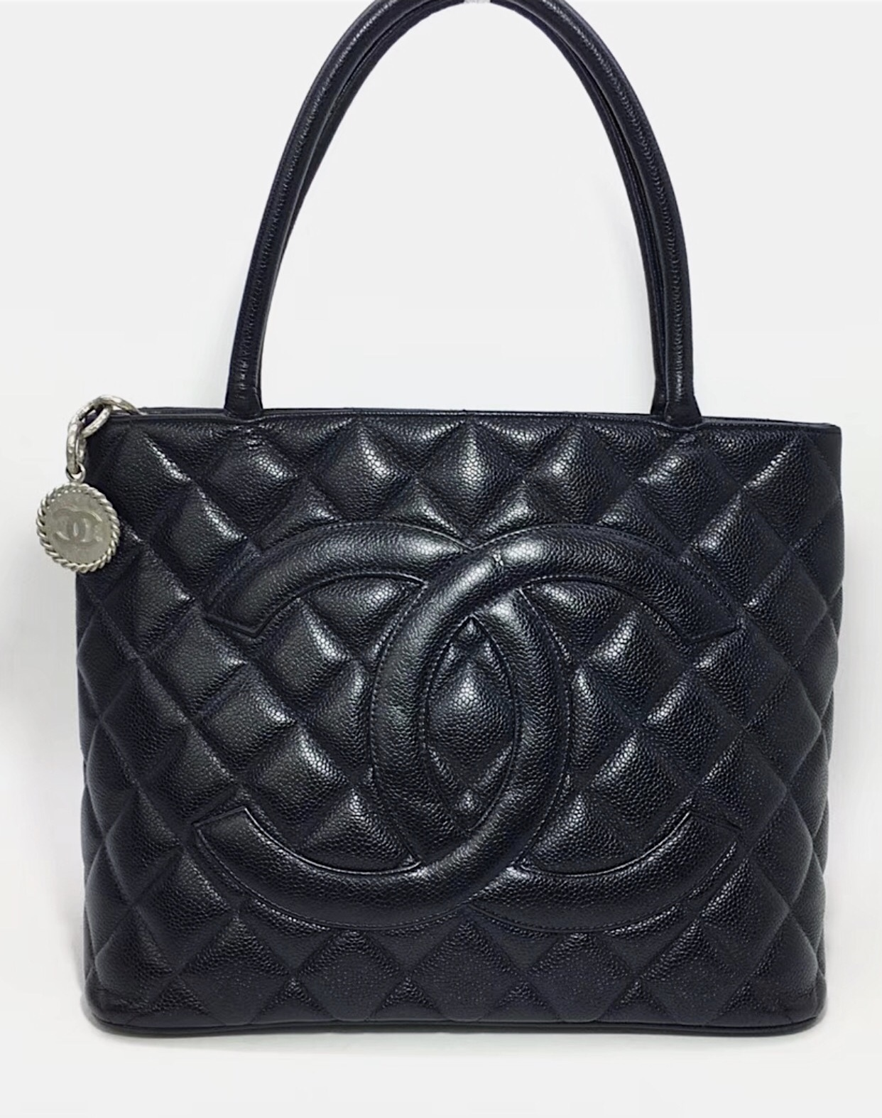 AUTHENTIC CHANEL QUILTED CAVIAR PST PETITE SHOPPING TOTE BAG BLACK SHW RECEIPT
