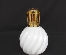 Scentier Diffuser Scented White Swirl Lamp Catalytic Fragrance Lamp - $18.50