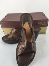"Born Tan Metallic Women 7 M/W Sandals ""Tupelo"" Slip On Wedge Tan Handcrafted New - $28.04"