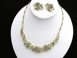 Coro Leaf Neckalce & Earring Set Goldtone & Rhinestone - $25.69