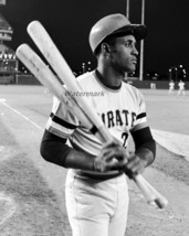 MLB 1972 Pittsburgh Pirates HOFer Roberto Clemente 8 X 10 Color Photo Picture  - $5.99