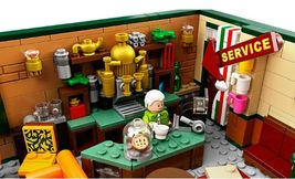 LEGO Ideas 21319 Friends The Television Series Central Perk  image 7