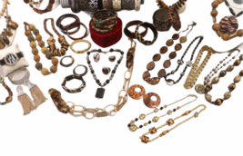 Large Safari Jungle Inspired Jewelry 10lb Lot Necklace Bracelet Earrings Clutch image 5