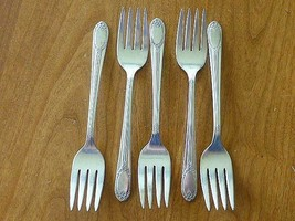 5 GARLAND RAPTURE 1937 SALAD / Cake FORK ROGERS International Silverplate - $29.69