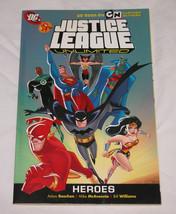 Heroes Por Mike Mcavennie, Dc Comics Staff y Adam Beechen, 2009 , Rústica - $11.73