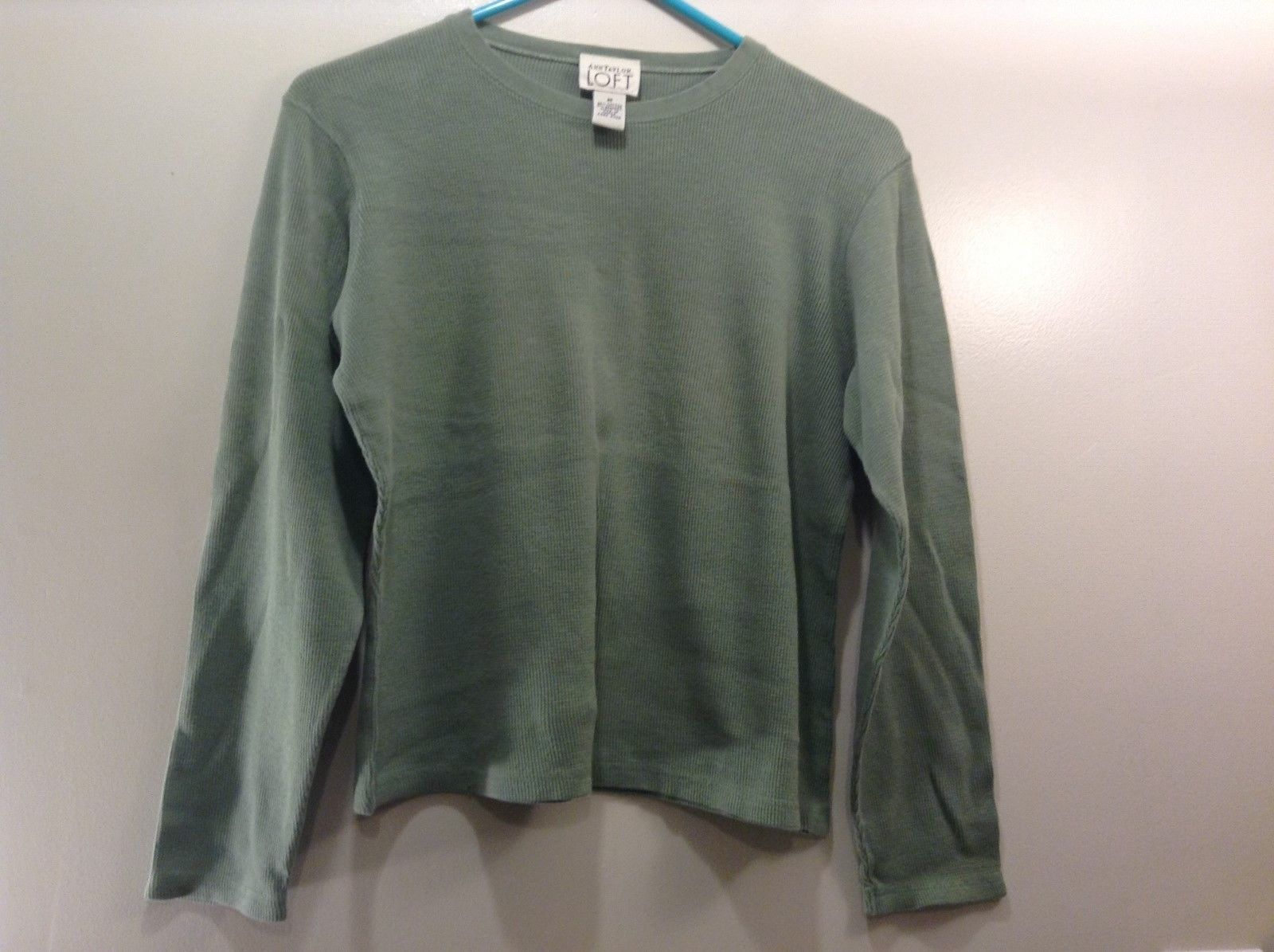 Ann Taylor LOFT Faded Pear Green Long Slv Shirt Sz M