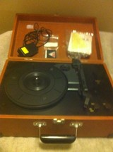 Crosley Model CR49 TURNTABLE--RECORD PLAYER--IN CASE----FREE SHIP--VGC - $69.38