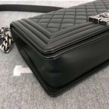 AUTHENTIC BRAND NEW CHANEL 2019 BLACK QUILTED LAMBSKIN MEDIUM BOY FLAP BAG RHW image 6