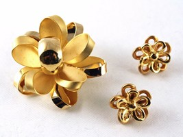 Vintage Pin & Pierced Earring Set - Curved Flowers in Gold Tone Metal - ... - $14.00