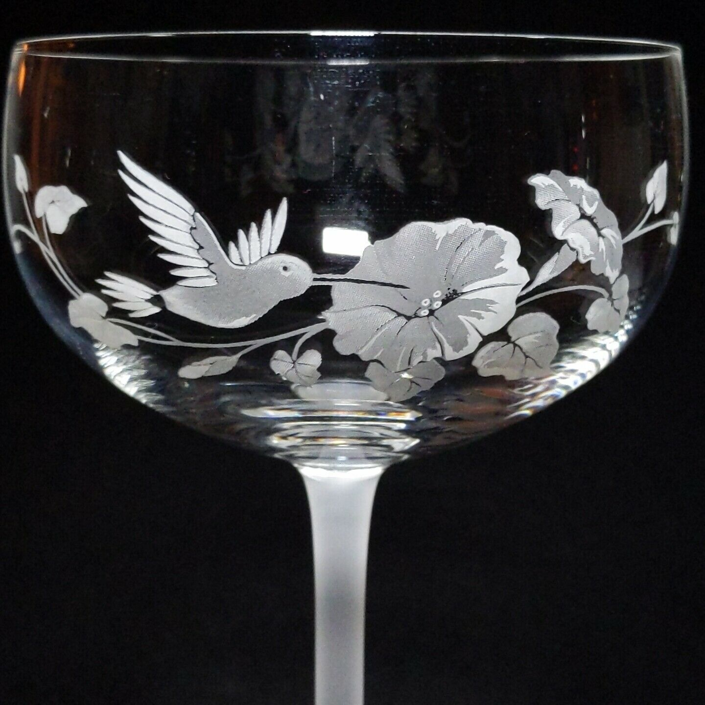 4 (Four) AVON HUMMINGBIRD Etched Crystal Champagne/ Tall Sherbet Glasses France image 4