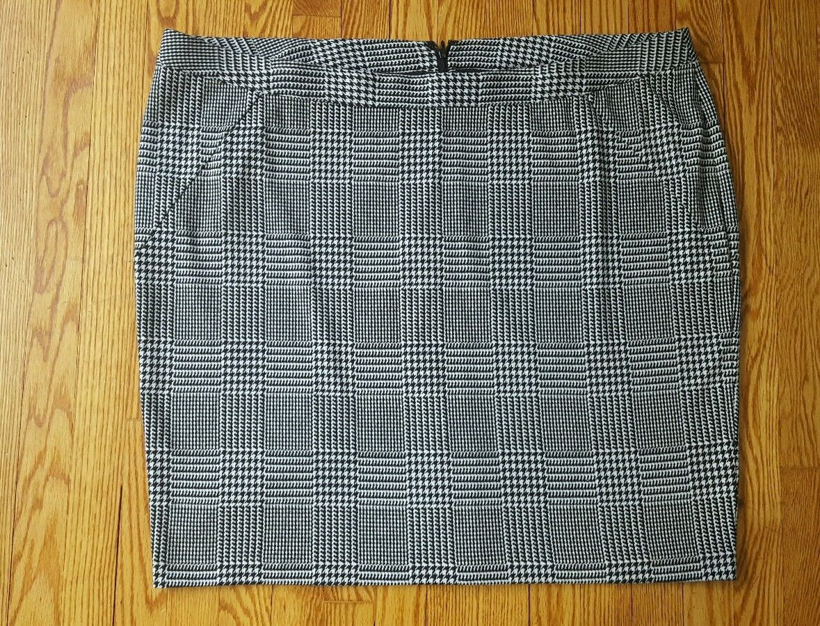 82bc343f4 LANE BRYANT womens Plus Size 28 Houndstooth and 22 similar items. S l1600