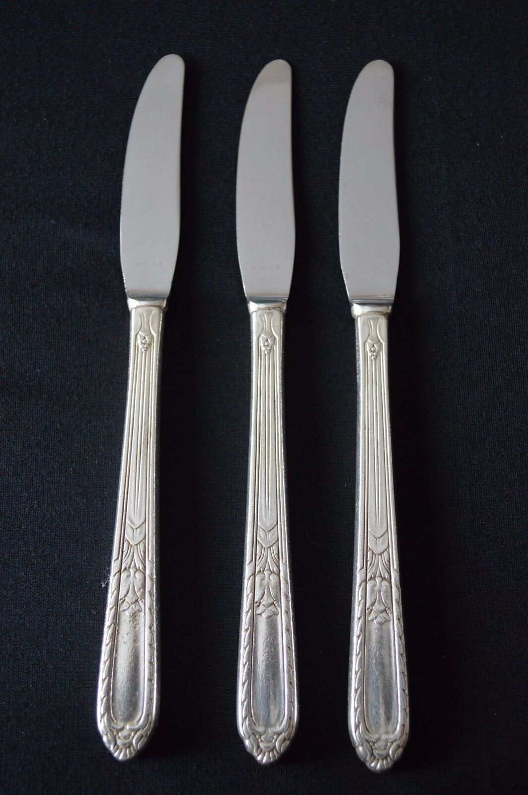 Primary image for Holmes & Edwards Pattern Masterpiece 1932 Set of 3 Grille Knives