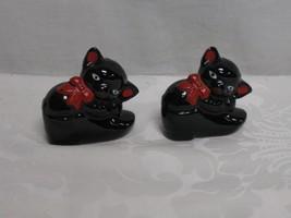 Vintage Japan Cat/Kitten in Shoe/Boot Black Redware Salt/Pepper Shakers ... - $13.85