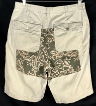 Tommy Hilfiger Shorts Khaki With Floral Back Panel Flat Front Mens Size 32 - $22.80