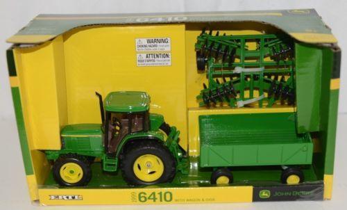 John Deere TBE15489 Die Cast Metal Replica 1999 6410 Tractor Wagon Disk