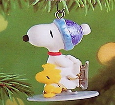 Hallmark 2000 Winter Fun With Snoopy #4 NIB Skating Woodstock Miniature Ornament - $24.95