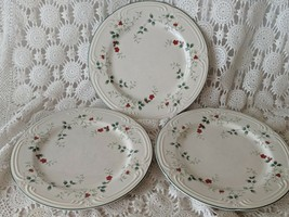 "Pfaltzgraff Winterberry Glass Dinnerware Dinner Plates 10.5"" Vintage Set of 3 - $17.45"