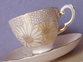 Vintage Tuscan gold English bone china hand painted daisies tea cup teacup - $38.61