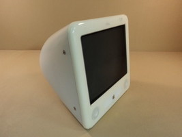 Apple eMac 700MHz 17in PowerPC G4 PowerMac 4 4 White 40GB Hard Drive Mem... - $124.54