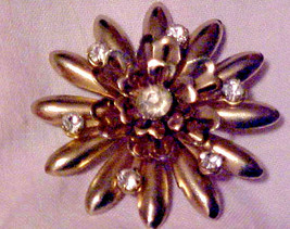 Vintage Pin Brooch Clear Rhinestone Gold Starburst Flower Crystal  - $7.87