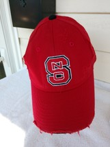 Baseball Cap Hat Nc State Wolfpack Football Ncsu Fitted One Fit Distressed Men's - $17.82