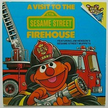 A VISIT to the SESAME STREET FIREHOUSE - Softcover Children's Book   (#1... - $6.38 CAD