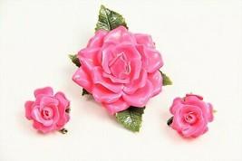 ESTATE VINTAGE Jewelry MOD RETRO HOT PINK PAPER MACHE FLOWER BROOCH & EA... - $45.00