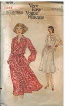 9769 UNCUT Vintage Vogue Sewing Pattern Misses Loose Fitting Dress Casua... - $5.58