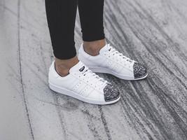 Adidas Original Damen Superstar 80S 3D Metall Zehen Turnschuhe Weiß - $136.45