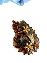 Vintage Molded Glass Rose and Topaz Rhinestone Brooch, Vintage Floral Pin image 2