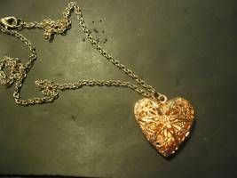 LIL ROSE HEART LOCKET NECKLACE  (14533)   >> C/S & H AVAILABLE  - $5.94