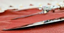 VINTAGE MATCHING CARVING KNIFE AND FORK SET  BAKELIGHT HANDLES image 4