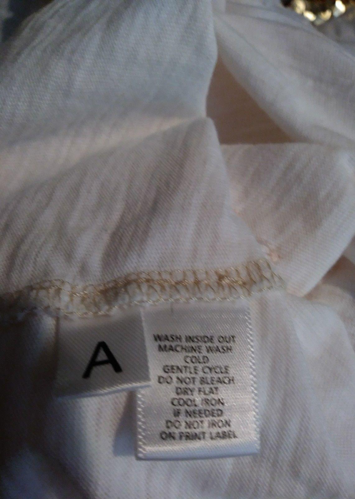 Ann Taylor Loft white with light pink floral applique cap sleeve blouse size p