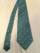 Alynn Neckwear Men's Tie Kelly Green Racing Saddles 100% SIlk Neck Tie - $12.60