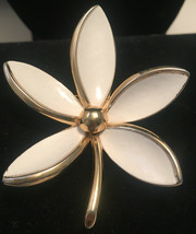 Vintage Trifari White Enamel Flower Brooch Pin Goldtone - $24.75