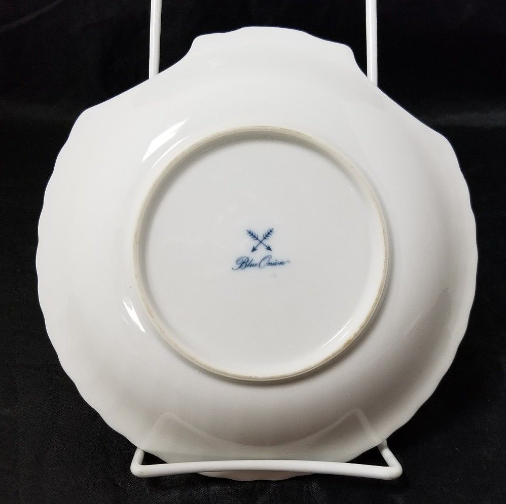 """Blue Onion Scallop Shell Bowls Set of 4 Clam Shell Plates 7""""×7"""" White, Swords image 6"""